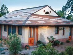 Earth Bag Home Construction Building A Shed, Green Building, Building Ideas, Building Materials, Earth Bag Homes, Rammed Earth Wall, Tadelakt, Mother Earth News, Natural Building