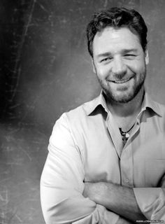 Russell Crowe Online - Photoshoot 006 - Year 2007 - http://russellcroweonline.com/gallery/thumbnails.php?album=109 - http://RussellCroweOnline.com