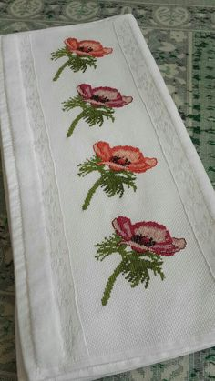 This Pin was discovered by HUZ Cross Stitch Borders, Cross Stitch Flowers, Cross Stitch Designs, Cross Stitching, Cross Stitch Embroidery, Embroidery Patterns, Cross Stitch Patterns, Free To Use Images, Ribbon Work
