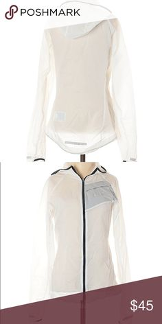 Shop Women's Nike White Black size XS Jackets & Coats at a discounted price at Poshmark. Sold by posh_vipkid. Plus Fashion, Fashion Tips, Fashion Design, Fashion Trends, Sheer Material, White Nikes, Sport Outfits, Nike Jacket, Hooded Jacket