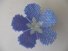 This Pin was discovered by Sıt Bead Embroidery Jewelry, Fabric Jewelry, Beaded Embroidery, Beading Tutorials, Beading Patterns, Flower Patterns, Peyote Stitch Patterns, Perler Patterns, Beaded Crafts