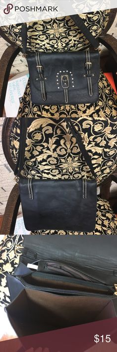 👜 Black Crossbody/Shoulder Convertible Purse No brand- Has 3 inner compartments and side zipper pouch on inside. GORGEOUS mocha color on the inside! Can be worn as a crossbody or shoulder bag, depending on preference. Features rhinestones and metal stud detailing on front of bag. Has a slight equestrian feel. Pre-loved! ❤️ally Bags Crossbody Bags