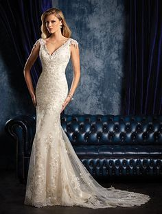 Alfred Angelo sapphire style 956