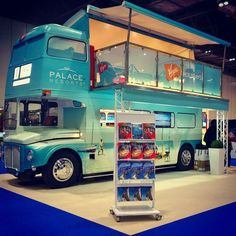 Ideas Food Truck Design Interior Buses For 2019 Kombi Trailer, Food Trailer, Food Truck Business, Food Cart Design, Food Truck Design, Coffee Carts, Coffee Truck, Bus House, Tiny House