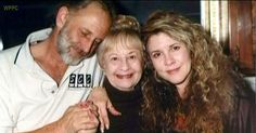 Stevie Nicks with her brother, Chris, and mother, Barbara