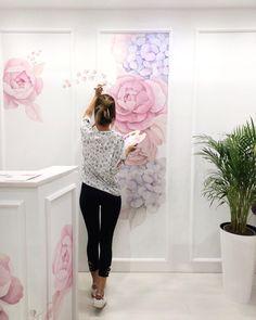J Interior Design Key: 1259077095 Art Mural, Wall Murals, Creation Deco, Flower Wall Decor, Art Studios, Wall Design, Interior Design Living Room, Cool Art, Bedroom Decor