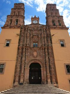 The church in Dolores Hidalgo was the scene of momentous events in September 1810 Clifton Wilkinson/Lonely Planet
