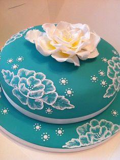 Mrs Cupcake makes stunning cakes!