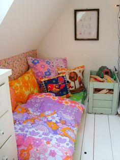 Mor til MERNEE: Ny storepigeseng og forandring på pigeværelset....