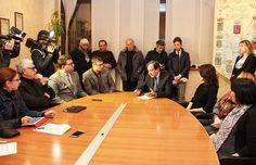 Cascella presenta la nuova Giunta: «Dal nuovo esecutivo un impegno nel segno della continuità» http://www.corriereofanto.it/index.php/politica/2368-cascella-nuova-giunta
