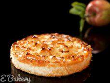 Appeltaart. #ebakery #appeltaart Baked Potato, Potatoes, Pie, Baking, Ethnic Recipes, Desserts, Food, Torte, Tailgate Desserts