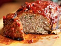 √ Easy Meatloaf Recipes with Bread Crumbs Meat Sauce Recipes, Meat Recipes For Dinner, Bread Recipes, Cake Recipes, Easy Meatloaf Recipe With Bread Crumbs, Meat Loaf Recipe Easy, Homemade Meatloaf, Meatloaf Recipes, Paleo Meatloaf