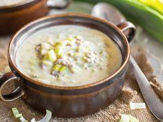 Deftige Käse-Lauch-Suppe mit Hackfleisch