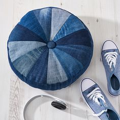 Denim upcycling ideas: Chop up old jeans and refashion into this fun pinwheel cushion! Sewing tutorial in issue 23 of @simplysewingmag #refashion #homesewing #sewing #sewyourown #upcycle