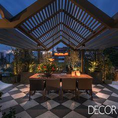 Assinado pelo arquiteto e paisagista Fernando Thunm para a mostra gaúcha da Casa Cor, o ambiente English Garden é inspirado na composição dos jardins ingleses.