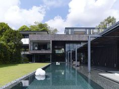 arquitectura-moderna-impactante-casa-2