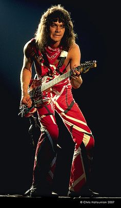 Eddie rocking out the red stripe overalls....never one to follow trends....!