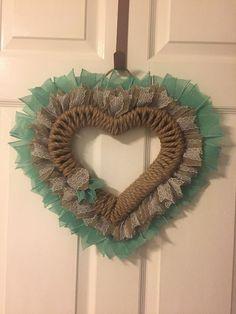 Easter Tree, Easter Wreaths, Rag Wreaths, Holiday Wreaths, Wreath Crafts, Diy Wreath, Wreath Making, Burlap Wreaths, Wreath Ideas