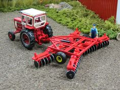 Model Farm Monday Week 173 | Customs & Display Journals ® | Toy Talk | The Toy Tractor Times Online Magazine