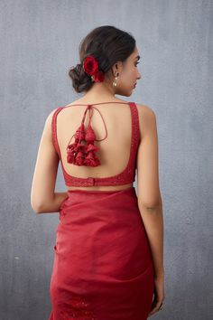 Simple Blouse Designs, Fancy Blouse Designs, Bridal Blouse Designs, Saree Blouse Designs, Sari Blouse, Indian Bridal Outfits, Saree Look, Stylish Outfits, Stylish Girl