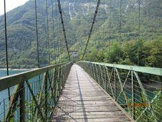 Bridge over lago