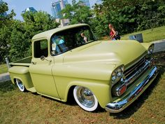 58 or 59 chevy 1958 Chevy Truck, Chevy Truck Models, Chevy Pickup Trucks, Classic Chevy Trucks, Chevy Pickups, Chevrolet Trucks, New Trucks, Custom Trucks, Cool Trucks