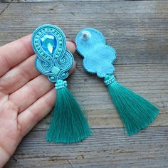 Beaded Jewelry Designs, Handmade Beaded Jewelry, Handmade Art, Handmade Necklaces, Soutache Tutorial, Soutache Necklace, Thread Jewellery, Beaded Embroidery, Neck Warmer