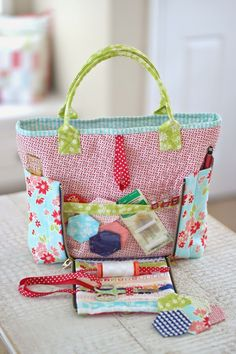 I am so excited to show you one of my new patterns, its called Sew on the Go Bag. PDF pattern by Cotton Way,,  $9.00