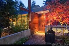 New Moon Twilight Saga Exterior Doors With Ambient Lighting Twilight House, Twilight New Moon, Twilight Saga, Exterior Design, Interior And Exterior, Moon Film, Indoor Fire Pit, Glass House Design, Architecture 101