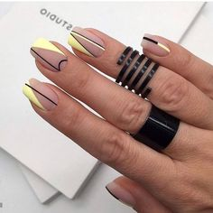 23 Great Yellow Nail Art Designs 2019 - Yellow Nails - Best Nail World Elegant Nail Designs, Short Nail Designs, Elegant Nails, Stylish Nails, Trendy Nails, Nail Art Designs, Nails Design, Shellac Nails, Matte Nails