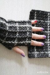 Wrist Warmer with Square Pattern