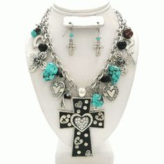 I have to figure out how to make this! I love this chunky fun western style necklace.