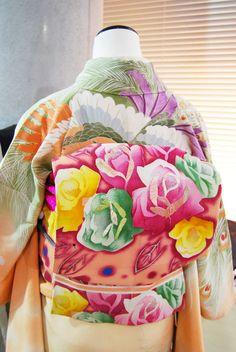 2月催事商品 風車小屋と孔雀の振袖×水玉と薔薇の帯 | kimono sarasa