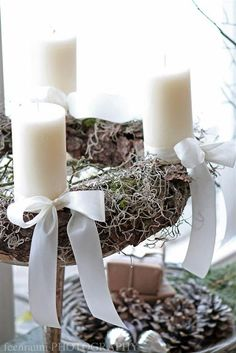 I'll use pink and purple candles Christmas Advent Wreath, Christmas Mood, Noel Christmas, Merry Christmas And Happy New Year, White Christmas, Christmas Decorations, Advent Wreaths, Purple Candles, Advent Candles