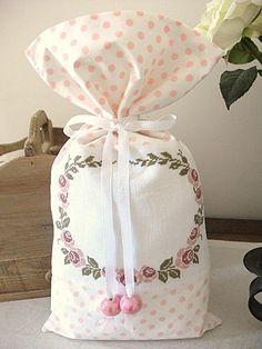La-vie-est-belle-cadeau-0kk.JPG