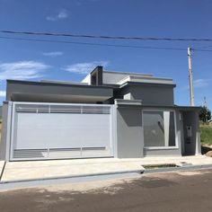 100 fachadas de casas modernas e incríveis para inspirar seu projeto Gate Wall Design, House Gate Design, House Design Photos, House Front Design, Facade Design, Aluminium Door Design, Future House, My House, Modern House Facades