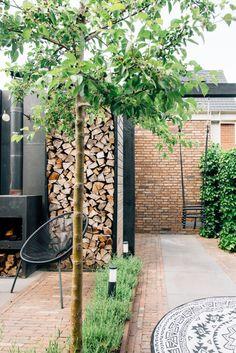 Small Garden On A Budget, Small Garden Plans, Garden Yard Ideas, Garden Buildings, Garden Structures, Dutch Gardens, Outside Living, Interior Garden, Gras