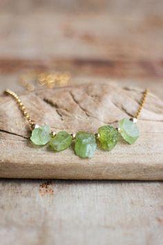 Raw Peridot Necklace, August Birthstone, Raw Crystal Necklace, Peridot Jewelry, Green Rough Stone Necklace, Five Raw Stone Jewellery