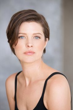 Audrey Marie Anderson on Arrow as Lyla Michaels Audrey Marie Anderson, Pixie Hairstyles, Cool Hairstyles, Short Hair Cuts, Short Hair Styles, Grown Out Pixie, Girls Short Haircuts, Grow Out, Stylish Hair