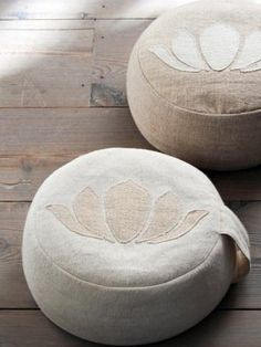Yoga pouf Lotus - Happinez