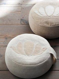 Yoga pouf Lotus - Happinez