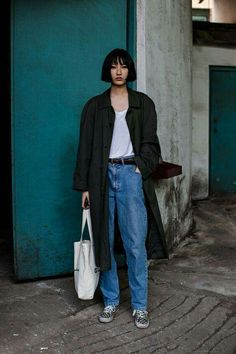 jeans and whtie tee shirt -- not always basic. #hair #pageboy #jeans #blacocoat
