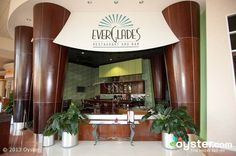 Everglades Restaurant and Bar - There are many reasons to visit the Everglades Restaurant in the Rosen Centre Hotel. A dedication to excellence, exotic gourmet menu offerings, a beautiful restaurant. Tucked into a hotel on International Drive, it's well worth venturing into the wilderness to experience the Everglades | Rosen Centre Hotel | #orlando #rosen #restaurants #idrive #everglades