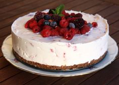 Smotanová torta s malinami, recept No Bake Desserts, Baked Goods, Tiramisu, Biscuits, Food And Drink, Ethnic Recipes, Cakes, Gardening, Fitness