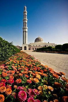 Oman Travel Inspiration - Great Mosque, Al Azaiba, Sultan Qaboos, Muscat, Oman
