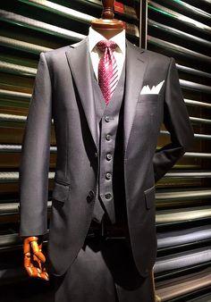 Zegna / TOROFEO #GinzaSakaeya#SAKAEYA#ErmenegildoZegna#zegna#dunhill#bespoke#suit#threepiece#jacket#Japan#ginza#Italy#Milano#men#fashion#mensfashion#menswear#mensstyle#style#銀座SAKAEYA#ゼニア#ダンヒル#オーダースーツ#フルオーダー#スーツ#スリーピース#テーラードジャケット#銀座#新宿#八重洲#紳士服