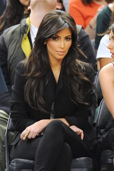 Kim Kardashian - Loose Waves & Bangs. Wish I could get my hair to do this.