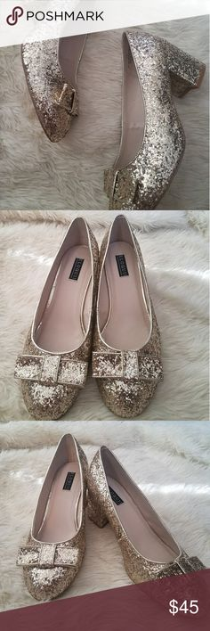 """Gold glitter bow eloquii  heels- 11w This is a reposh! I absolutely LOVE these shoes but am adept at walking in heels.  These beauties have a 2"""" stacked heel and a round toe with a bow. The entire shoe is covered in gold glitter. They've never been wotn outside. Well cared for and from a smoke and animal free home!  Eloquii Shoes Heels Walking In Heels, Fashion Design, Fashion Tips, Fashion Trends, Gold Glitter, Shoes Heels, Bows, Smoke, Animal"""