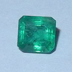 Smaragd 0.41 cts. Muzo, Kolumbien  Muzo Smaragd vom Juwelierhaus Abt in Dortmund.  #smaragd #kolumbien #edelstein #juwelier #abt #dortmund