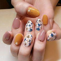 Fall Nail Art Designs, Flower Nail Designs, Simple Nail Designs, Daisy Nails, Flower Nails, Pink Nails, Daisy Nail Art, Cute Nail Art, Cute Acrylic Nails